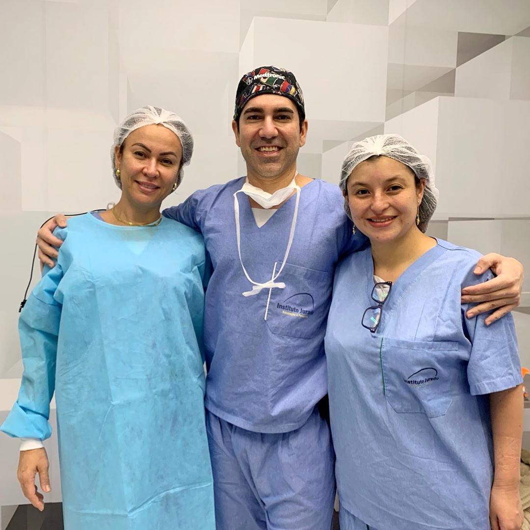 Hoje foi dia de dar aula cirúrgica de blefaroplastia