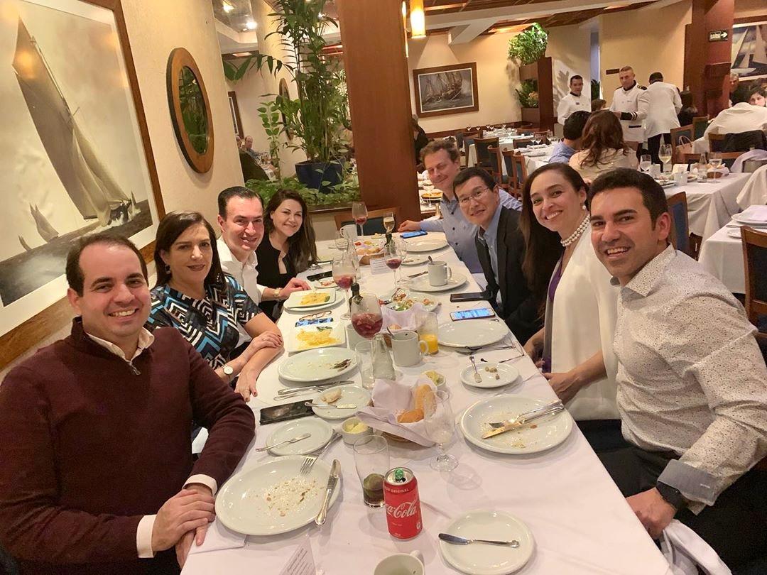 Jantar maravilhoso com pessoas especiais!