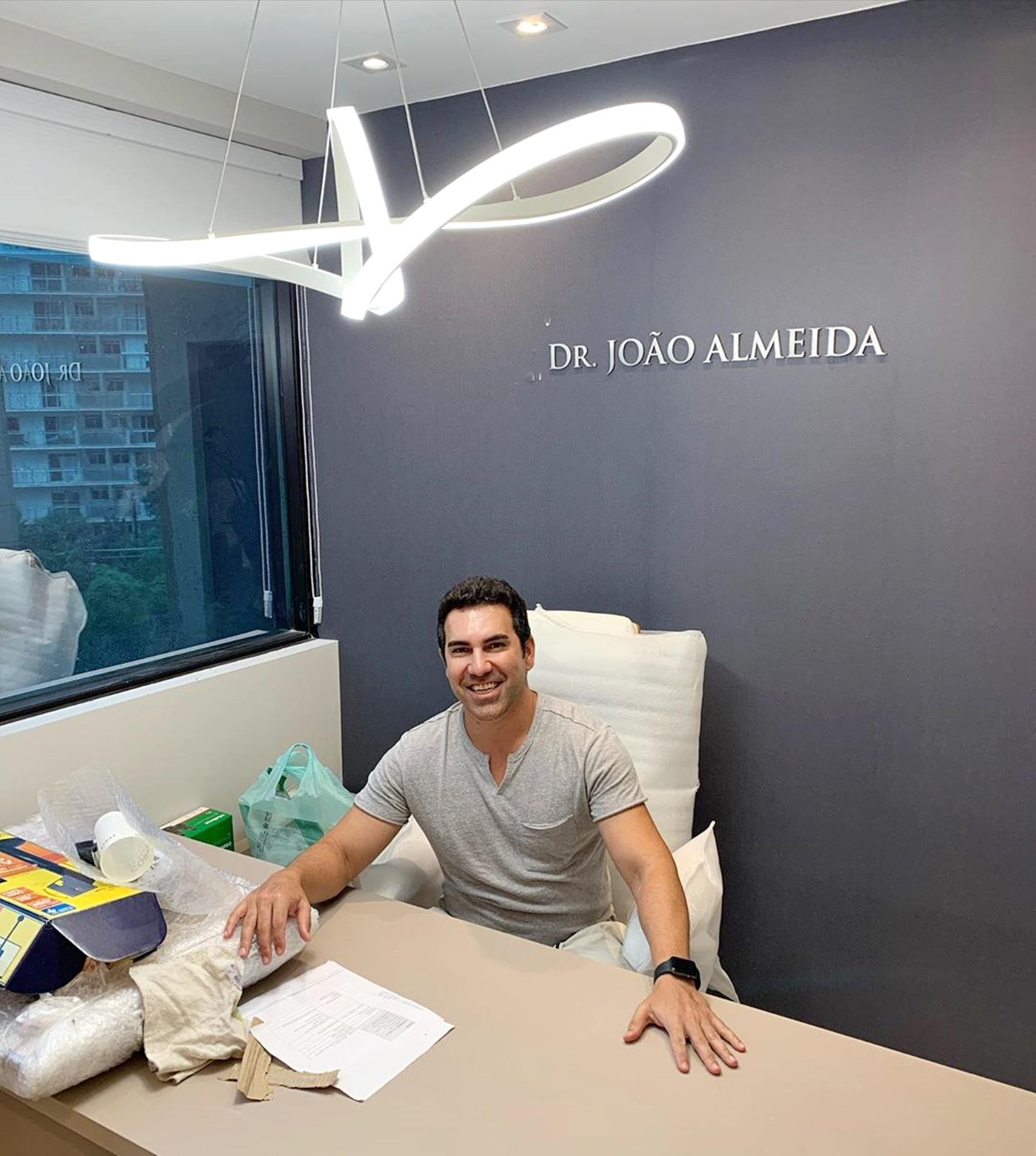 Estamos quase lá fase final da clínica de cirurgia facial Dr. João Almeida
